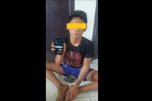 Terdesak Untuk Belikan Baju Seragam Sekolah Anaknya,PR Nekat Mencuri Handphone