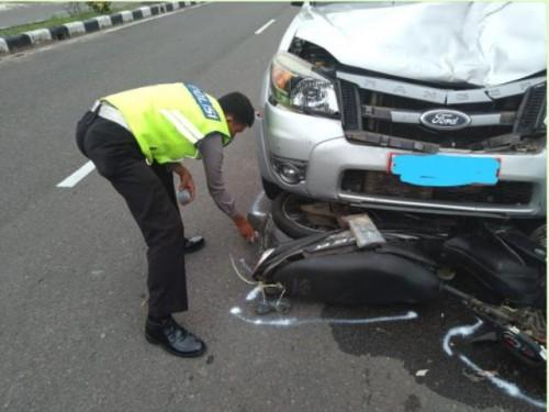 Bertabrakan Dengan Mobil di Jalur Tanjungpandan Belitung Pengendara Motor Tewas. Fhoto : Dok
