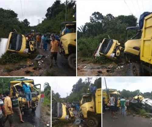 Kejadian lakalantas kembali terjadi diruas jalan Membalong, Kabupaten Belitung. Dua mobil Truck mengalami kerusakan serius dibagian kepala mobil. Jum'at (10/5/2019).
