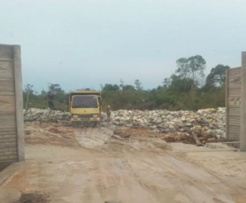 Lokasi penyimpanan sementara pasir Zirkon. Foto : MN/AH